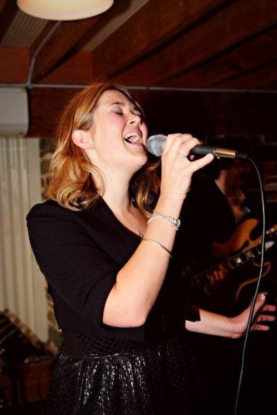 Wedding Singer Tara Lynch